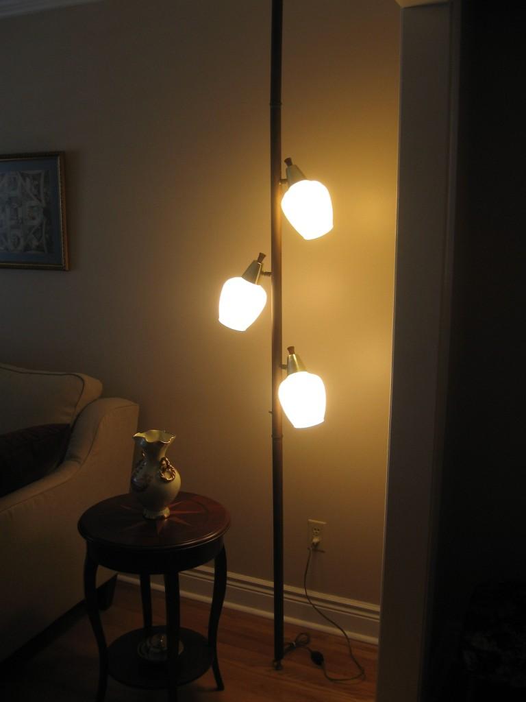 lamp on_Johns